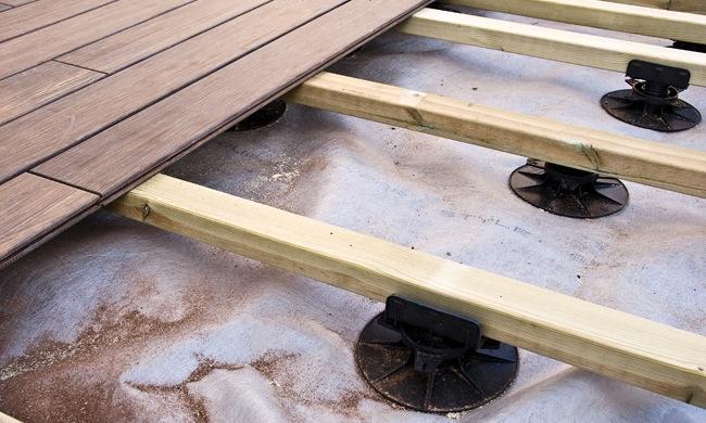 Houten terras aanleggen prijs houtsoorten